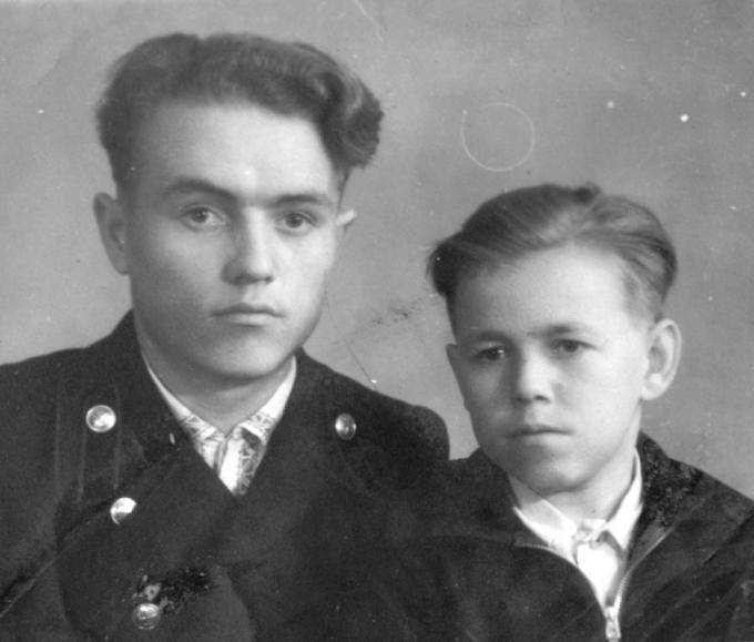 Гена и Боря Деревские - родные братья. Деревские. Из семейных архивов.