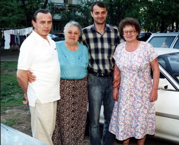 Деревские - семьи Геннадия и Оли.