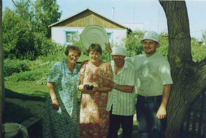 Деревские - Оля в гостях у Раи в Казахстане.