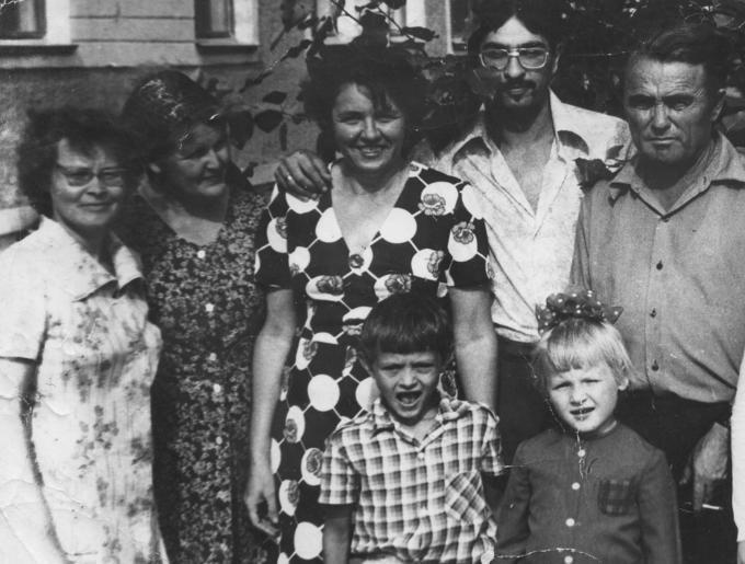 Деревские. Три семьи:- Геннадия, Оли и Раи.