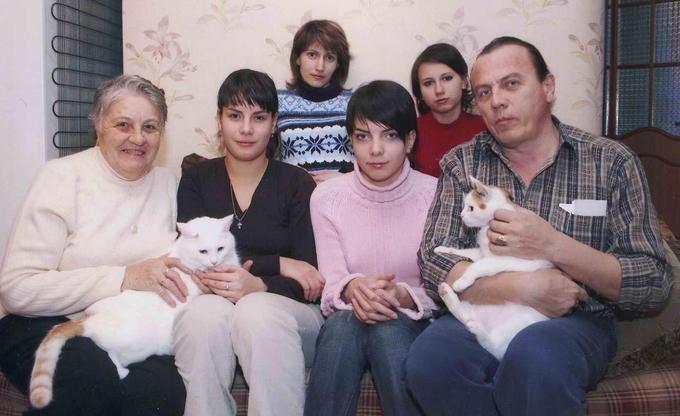 Деревские - Римма (жена Гены) с семьёй младшего сына Вани.