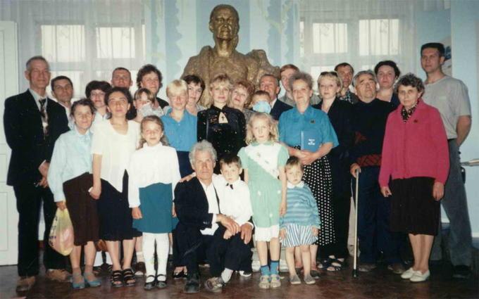 2002. Деревские - 100-летний Юбилей Мамы.