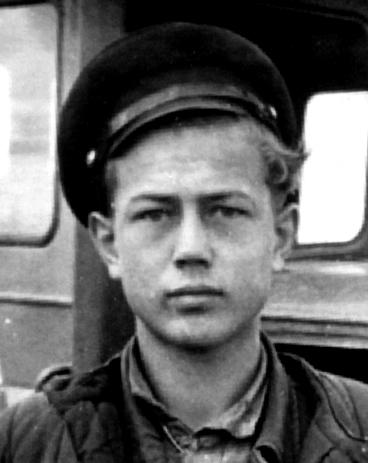 Александр Емельянович Деревский - Саша большой