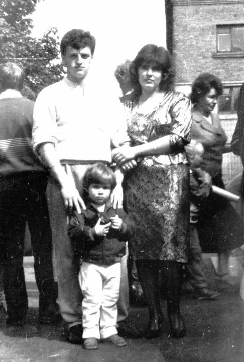 Саша Деревский, правнук - внук Вениамина с мамой и папой. 1990 год.