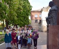 2017, семья Деревских у Памятника А.А. Деревской